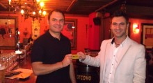 Image: Guiseppe presenting Minas with his Gold Card
