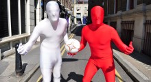 Arsenal to triumph over Fulham, according to sales of Morphsuits