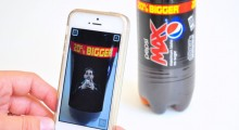 Pepsi Max blipp Dynamo card trick in action