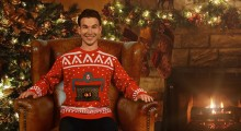 CHRISTMAS-JUMPER_SITTING_BG-Web