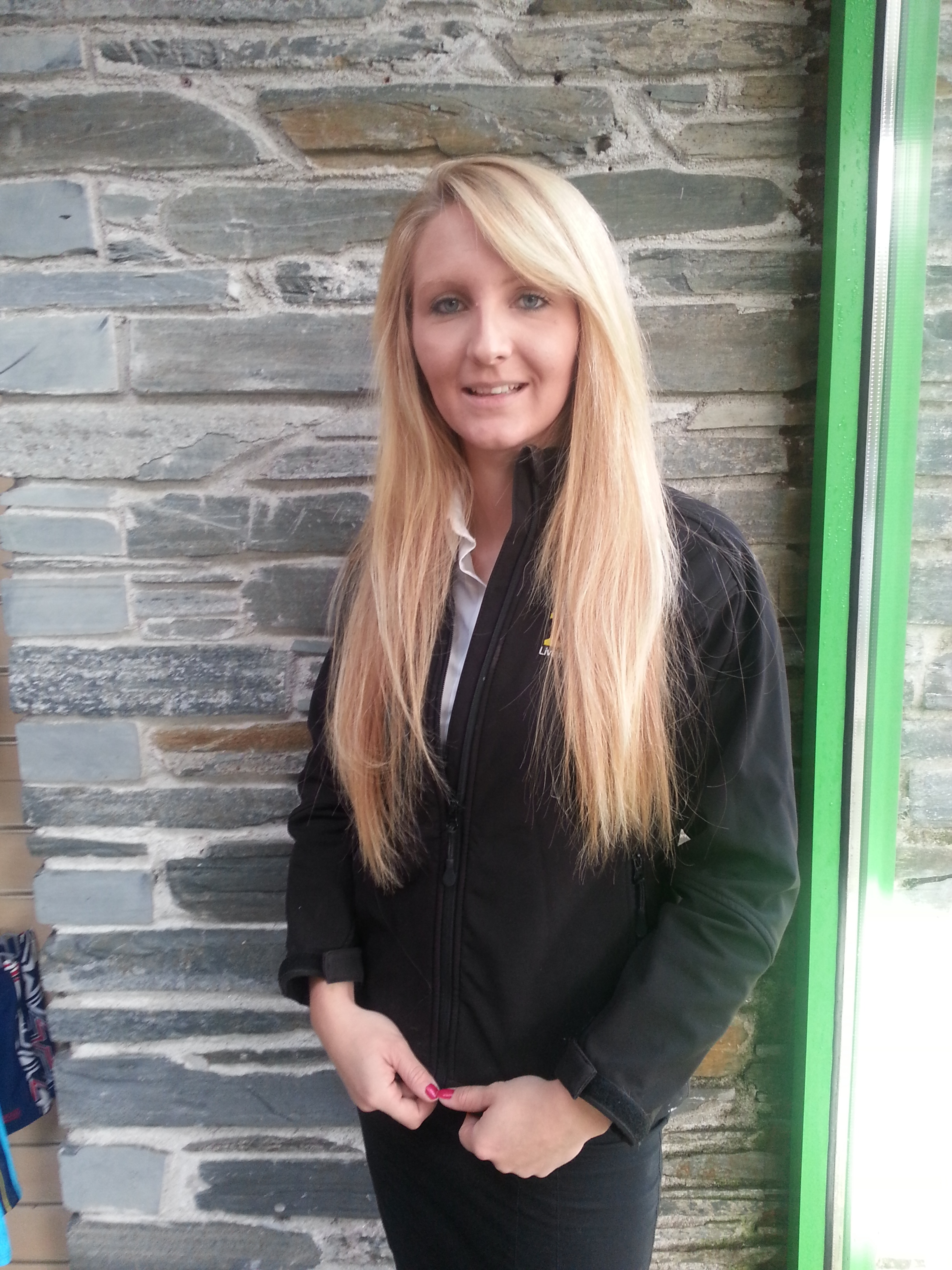 Having previously worked at the pool, Lauren knows the site and local community well.