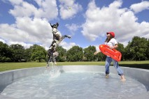 The dog bowl stretches 4.5m in diameter, stands at 1m tall and can hold up to 2000 litres of water