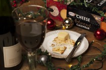 So Wrong Its Nom Cheese Advent Calendar with wine 1