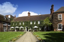 A Very British Break: Mercure opens the doors of the newly designed Farnham Bush Hotel in time for summer